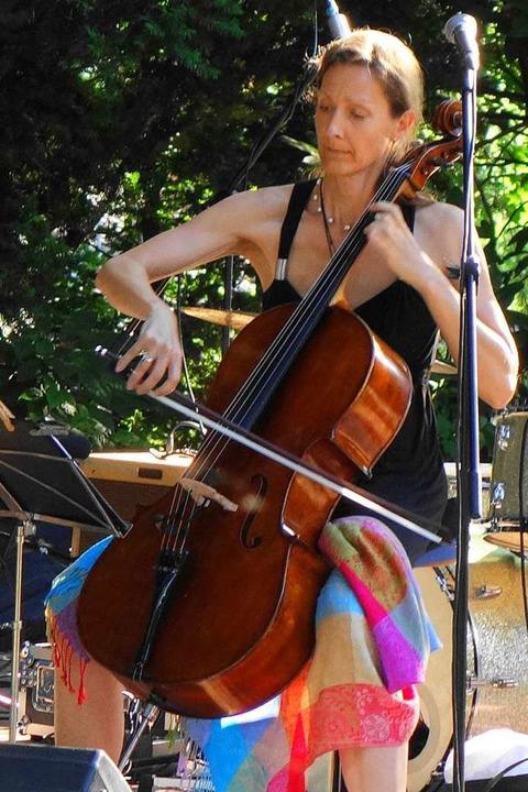 Singer-Songwriter Festival 2019 in Schwand: Maria Maur mit dem Cello  | Foto: Gudrun Gehr