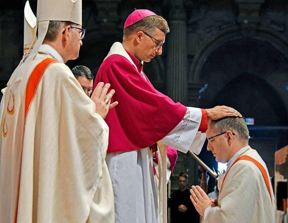 Die Bischofsweihe im Münster  | Foto: Michael Bamberger