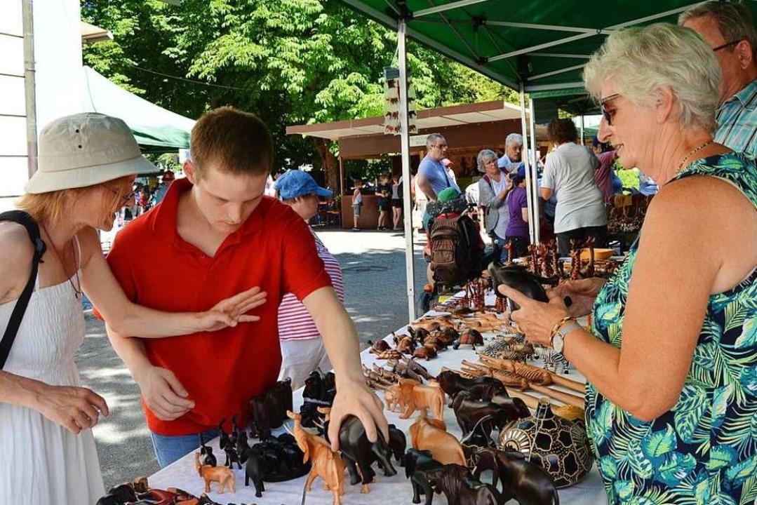 Trotz Hitze ein gelungenes Sommerfest mit breitem Angebot.  | Foto: Danielle Hirschberger