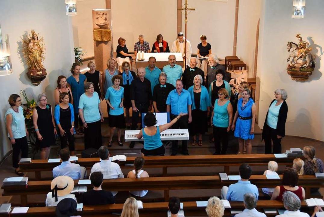 Der Pop&Jazzchor March gestaltete ...en ältesten Kirchen im Breisgau zählt.    Foto: Manfred Frietsch