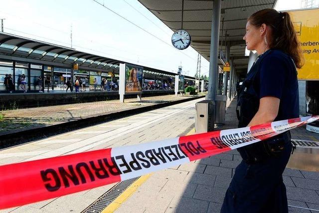 Gleis 1 und Schalterhalle des Freiburger Hauptbahnhofs nach Bombendrohung wieder freigegeben