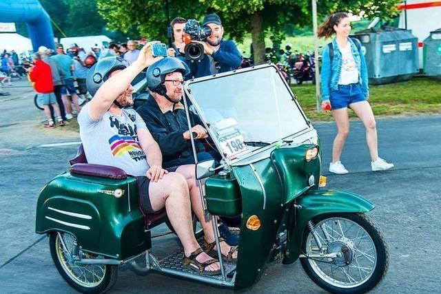704 Teilnehmer beim Moped-Marathon – 632 kommen ins Ziel