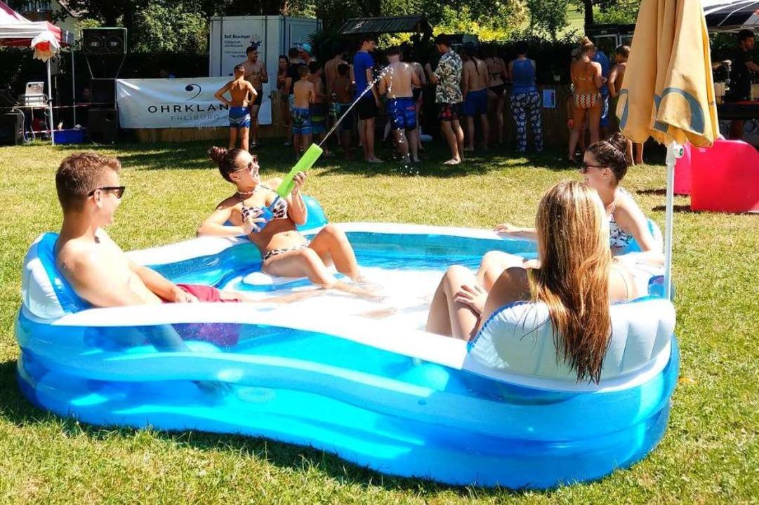 Über die Beachparty freuen sich die Jugendlichen aus dem Glottertal.  | Foto: Sarah Schädler