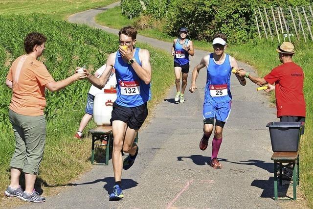 Den Läufern in der Hitze geholfen