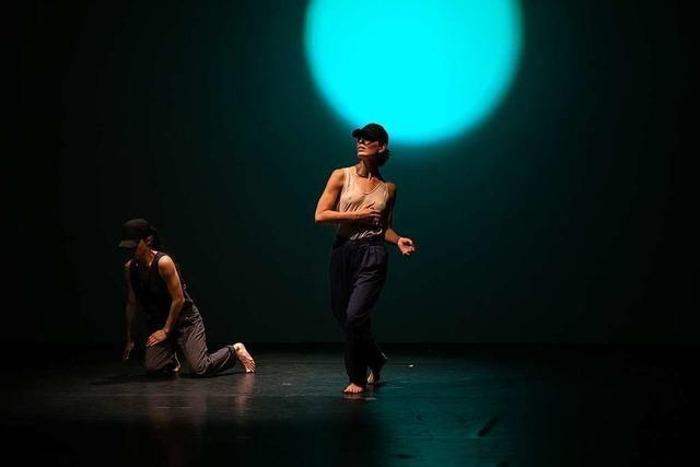 Sieben Tänzerinnen – und kein Mann weit und breit