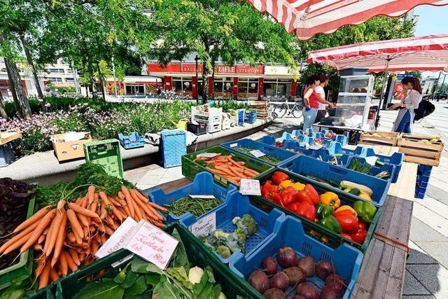 Der neue Marktstand im Stadtteil Weingarten kommt gut an