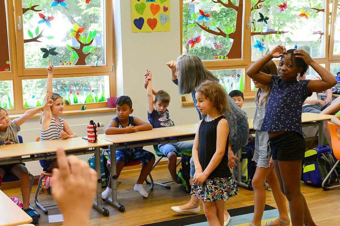 Lehrerin Sylvie Kaufhold macht den Französisch-Unterricht zum Erlebnis.  | Foto: Ingo Schneider