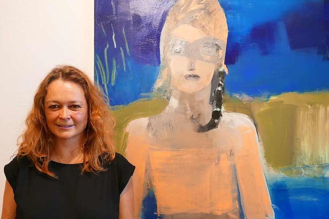 Barbara Ambs mit einem ihrer Werke   | Foto: Simona Eftimova