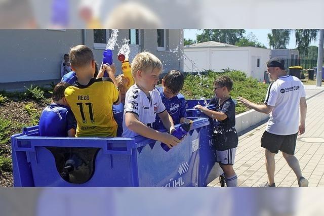 Fußball plus Wasserspaß
