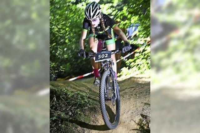 Die Hitze lässt junge Mountainbiker kalt