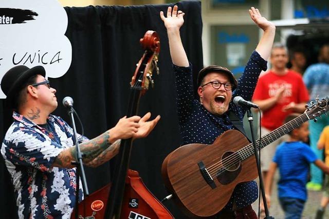 Musik, gute Laune und ein Feuerwehrfest