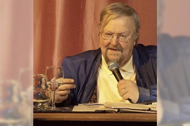 Otmar Schnurr alias Nepomik der Bruddler hält Lesung in der Dorfkirche Menzenschwand