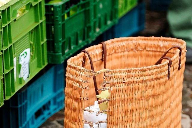 Beim neuen Abendmarkt in Lahr gibt's Röllchen aus Eis und Feinkostfleisch