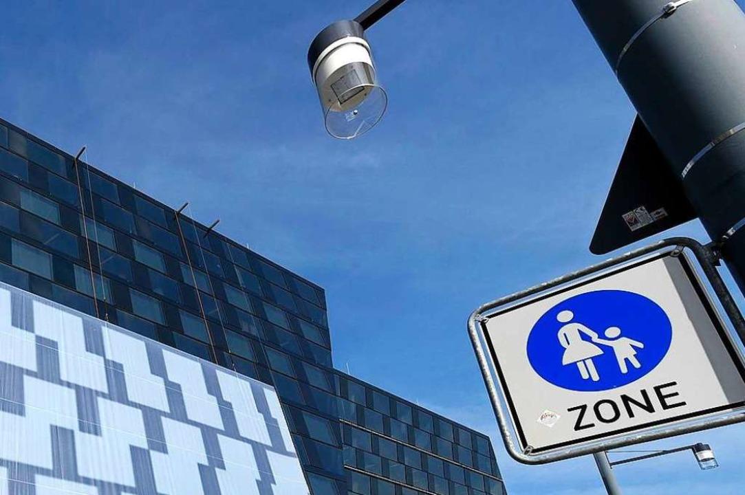 Keine vier Monate ist die Rottecklinie...traßenleuchten einen Sicherheitscheck.  | Foto: Thomas Kunz