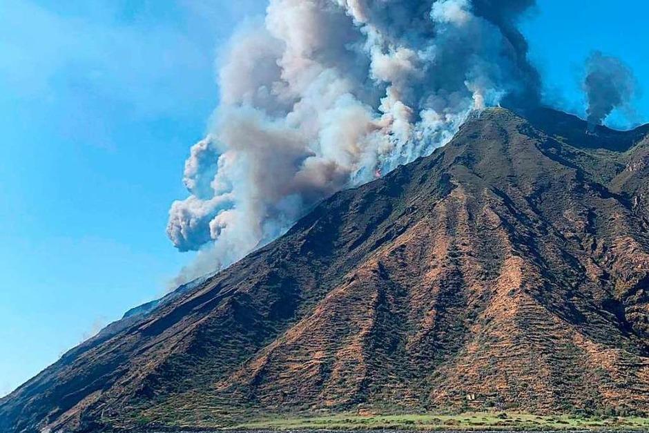 Rauchschwaden steigen vom Vulkan Stromboli auf. (Foto: MARIO CALABRESI (AFP))