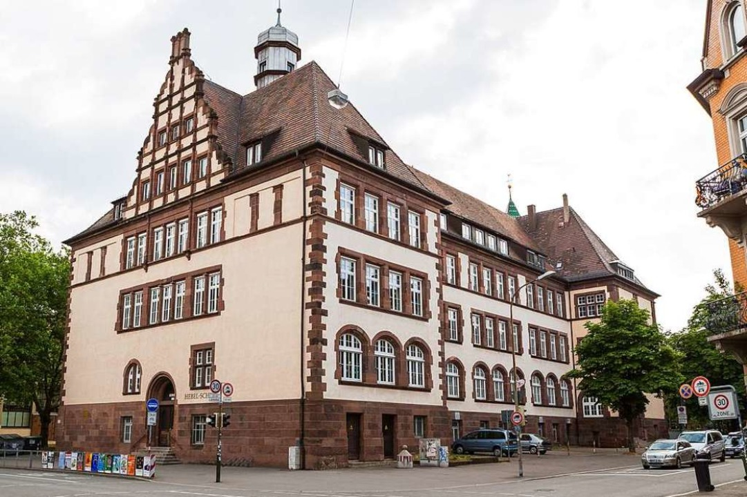 Die Hebelschule liegt an der Ecke Esch... im Stadtteil Stühlinger (Archivbild).  | Foto: Carlotta Huber