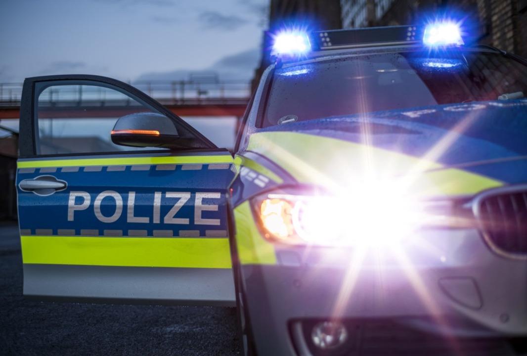Die Beamten des Verkehrskommissariats ...rg haben die Ermittlungen aufgenommen.  | Foto: jgfoto - stock.adobe.com