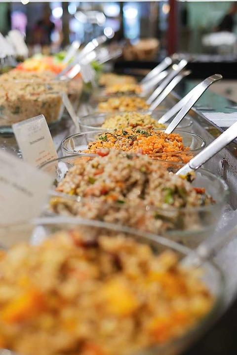 Salatbüfett im Adelhaus  | Foto: Jannik Jürgens