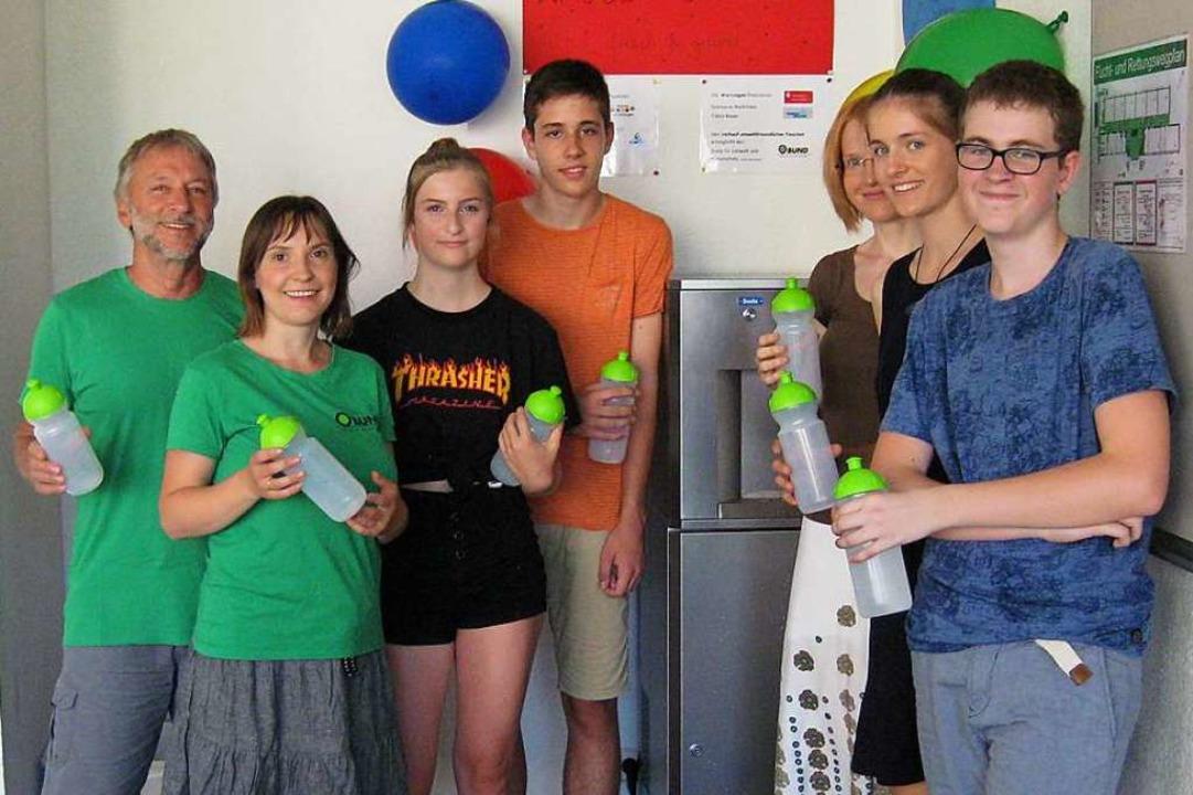 Das erste Projekt der Schülergenossens...ler Lotta Bröker und Daniel Christian   | Foto: Scheffelgymnasium