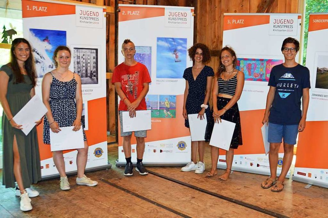 Sie sind die Preisträger des Jugendkun...fehlen Johannes Wetzka und Julie Kapp.  | Foto: Gerhard Lück