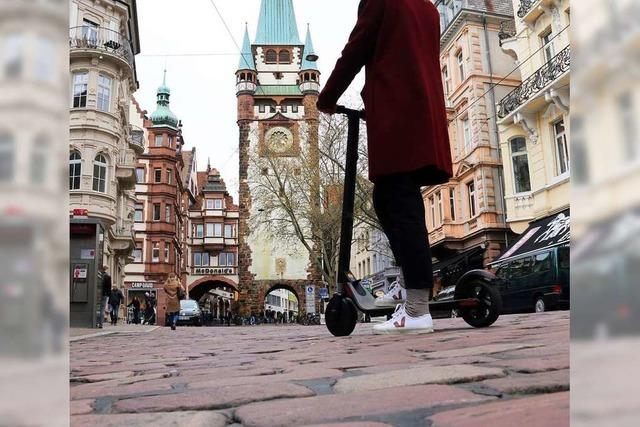 In Freiburg darf man E-Scooter in Bus und Straßenbahn mitnehmen