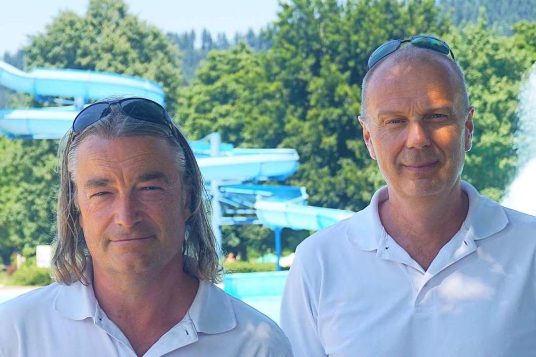 Dirk Hoffmann (links)  und Matthias Ke... Strandbad für Sicherheit und Ordnung.  | Foto: Manuel Fritsch