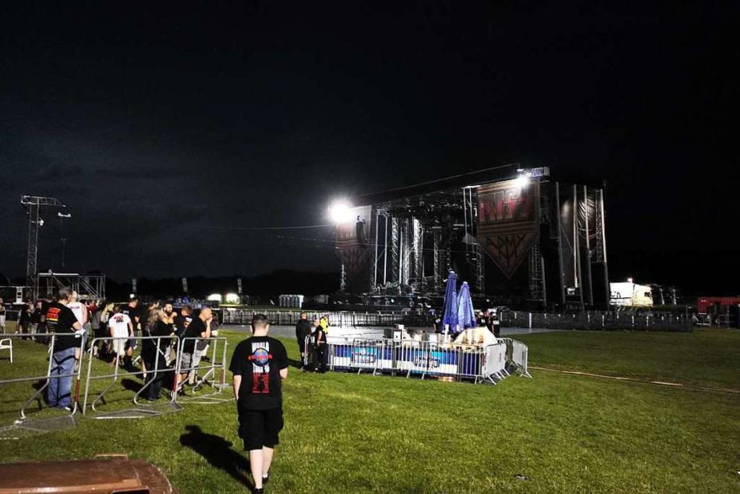 Das Open-Air-Konzert der Hard-Rock-Ban...rde wegen eines Unwetters abgebrochen.    Foto: Patrik Müller