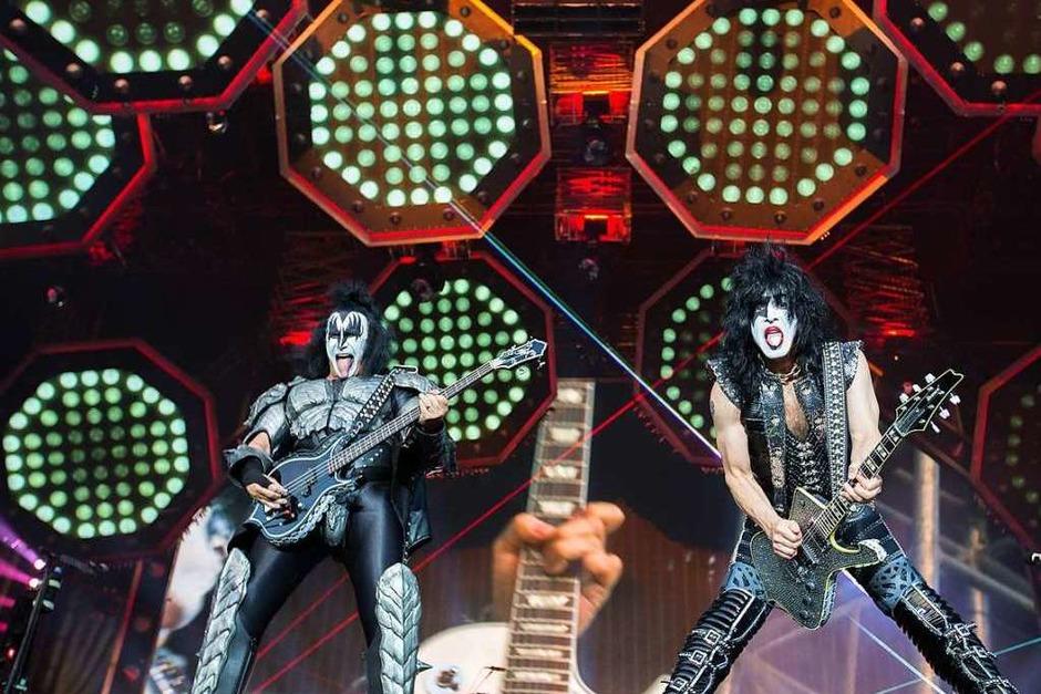 45 Minuten Rock-Spektakel – dann wurde das Konzert von Kiss in Iffezheim abgebrochen. (Foto: Carlotta Huber)