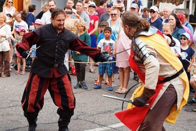 Mittelalter, Genuss und Unterhaltung beim Historischen Altstadtfest in Kenzingen