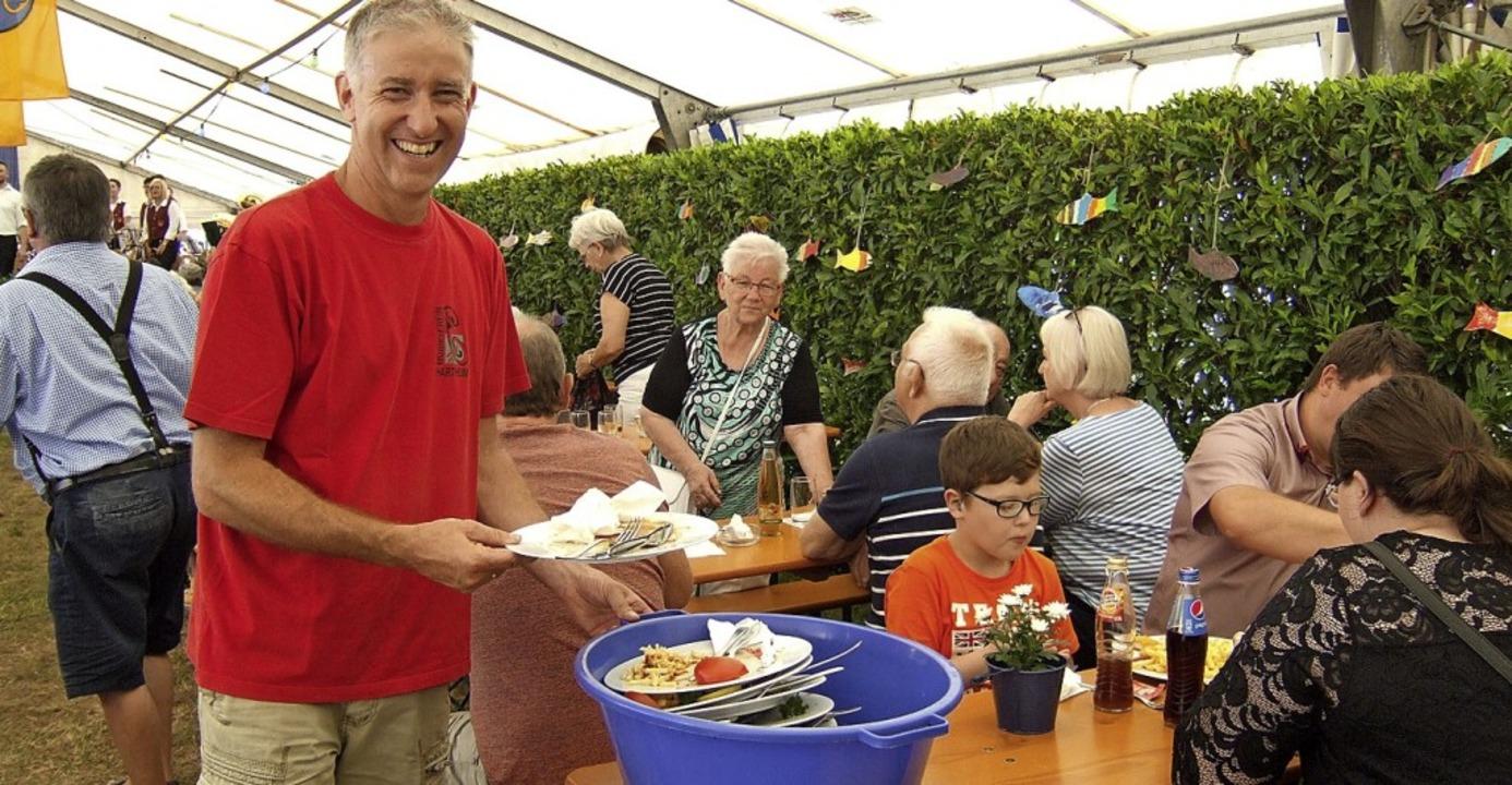 Organisiert das Fest und legt selbst Hand an: Christian Link.  | Foto: Susanne Müller