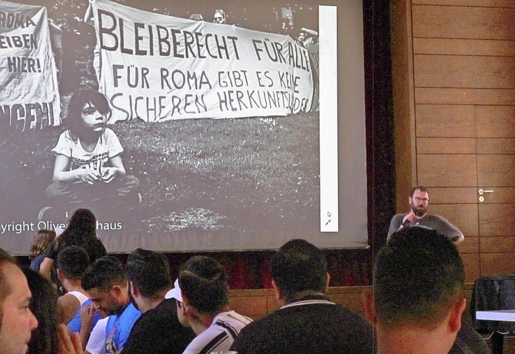 Das erste Roma-Netzwerktreffen Baden-W...entrum der katholischen Kirche statt.   | Foto: Ulrich Voigt
