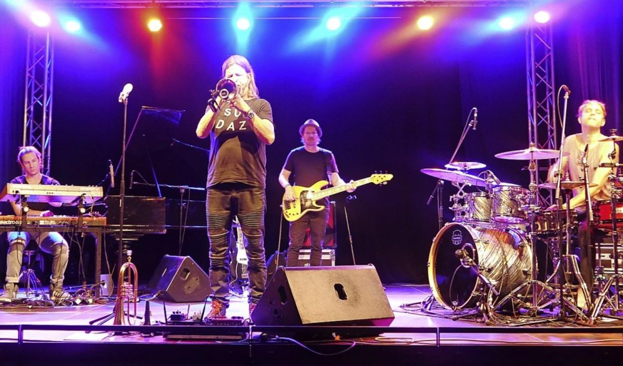 Rüdiger Baldauf und Band in der Gengenbacher Stadthalle   | Foto: Heidi Ast