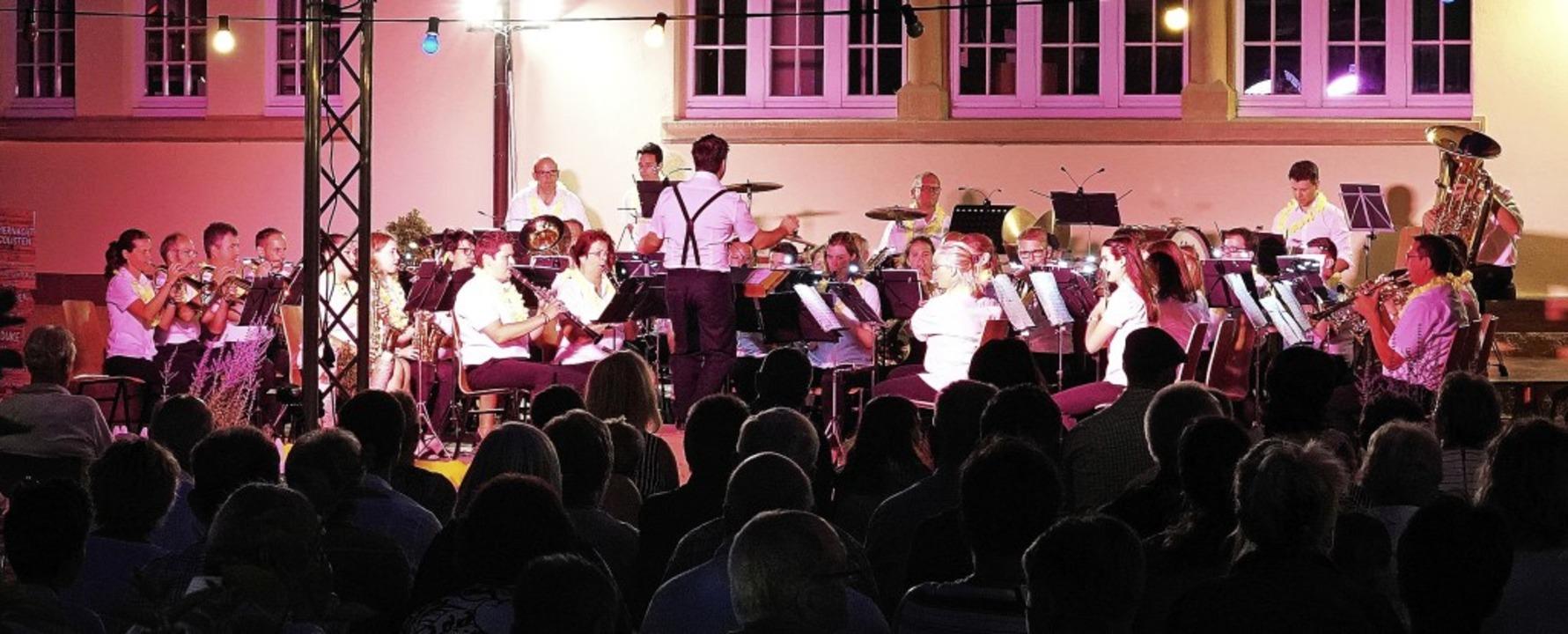 Der Musikverein Wyhl begeisterte mit s...ert und seinen Solisten das Publikum.   | Foto: Jürgen Schweizer