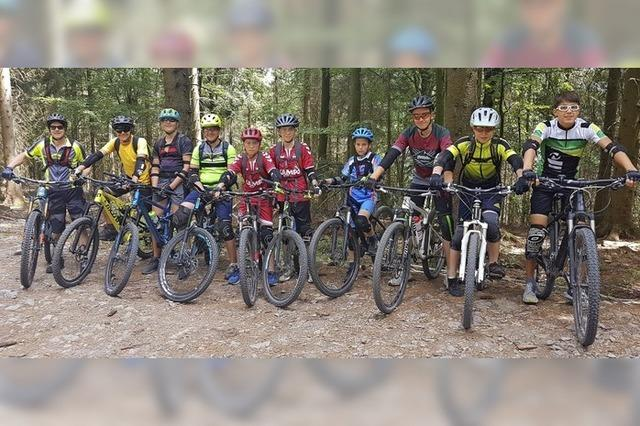 Mountainbiker rocken den Trail