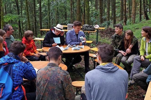 Ein Baumcamp für Gruppentreffen