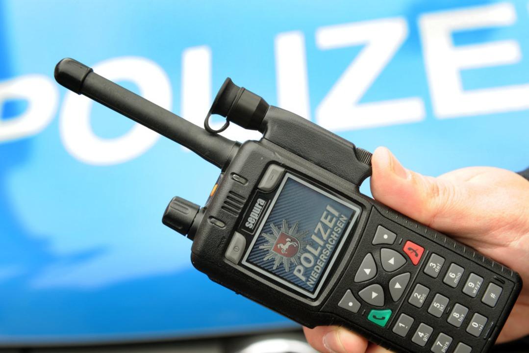 Die Polizei sucht nach dem Klau eines Funkgerätes nun Zeugen (Symbolbild).  | Foto: Holger Hollemann