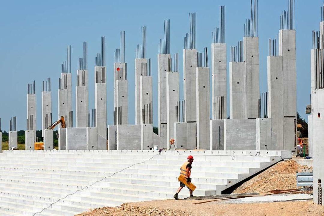 Es kann weiter gebaut werden auf der Baustelle des SC-Stadions.    Foto: Rita Eggstein