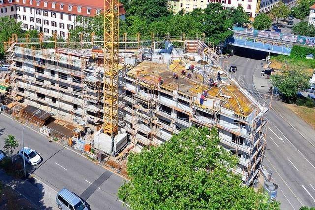 Neubau auf dem Rennweg-Dreieck in Freiburg weist Kuriositäten auf