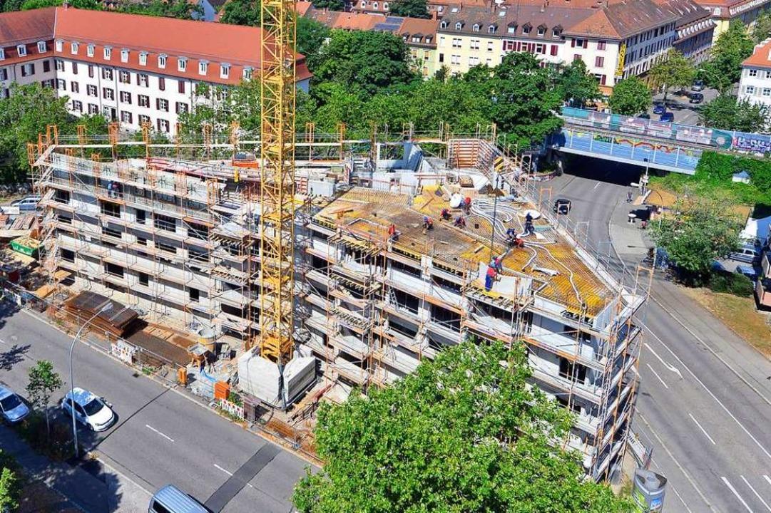 Auf dreieckigem Grundriss entsteht der...n-Meier-Straße (links) in den Rennweg.  | Foto: Michael Bamberger