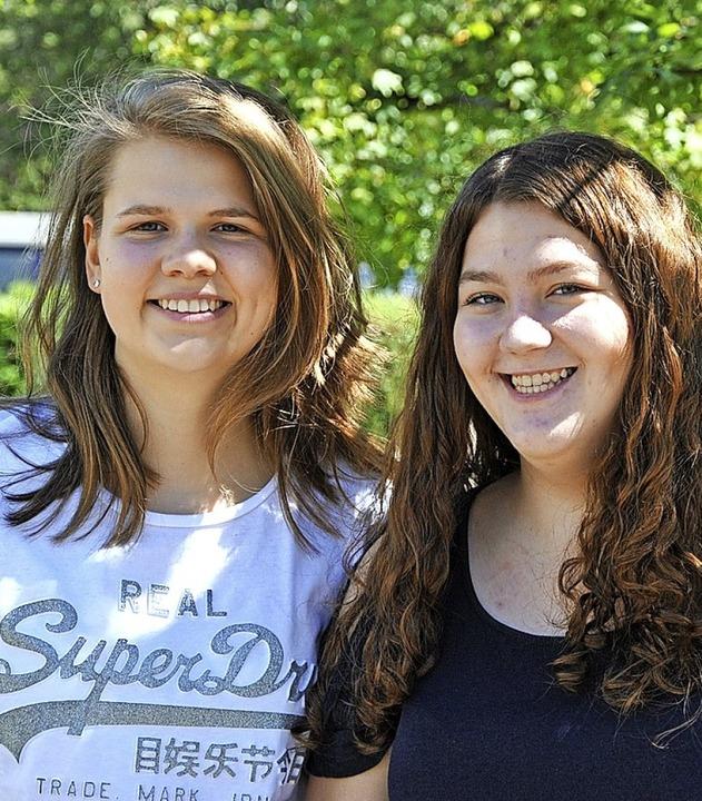 Lina Steinhart (links) und Annkatrin B...hemenbereich Gesundheit und Soziales.   | Foto: Ralph Fautz