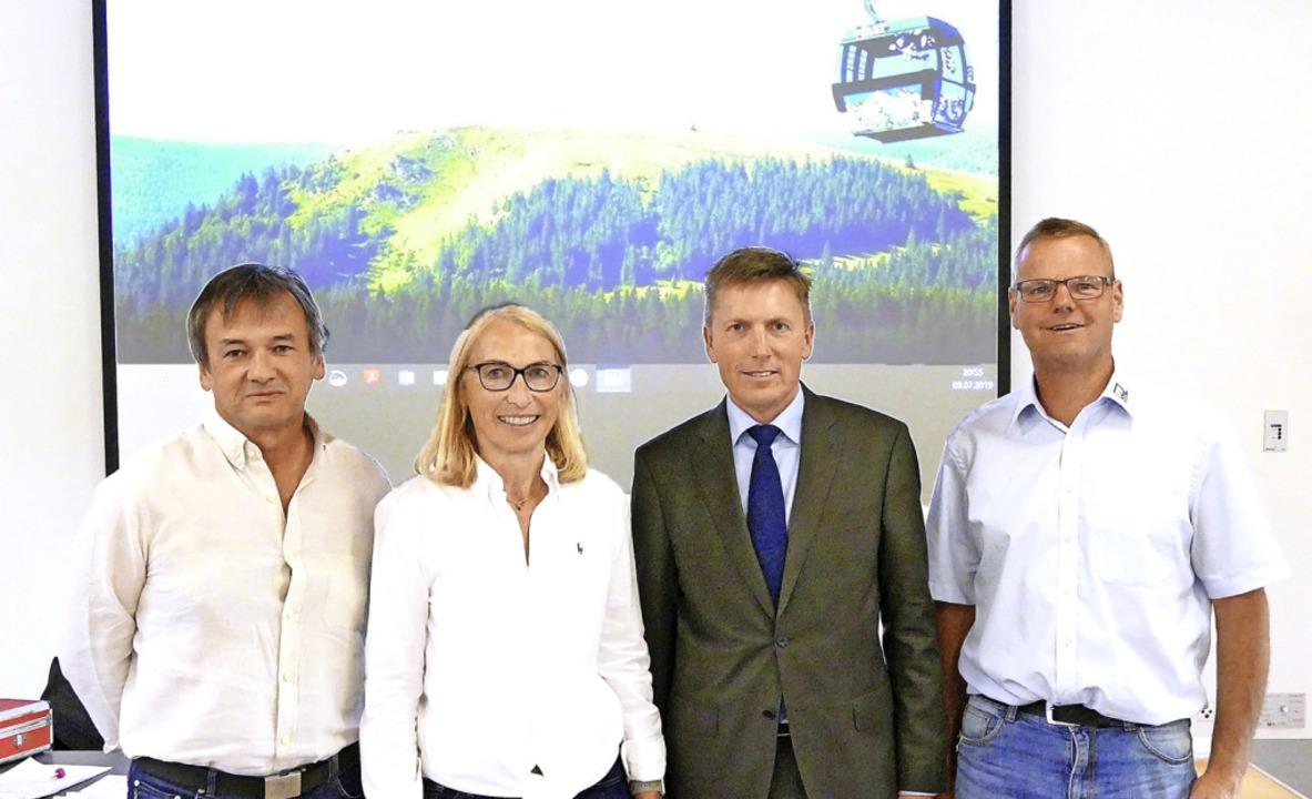 Feldberg hat jetzt drei Bürgermeisters...(zweite) und Bruno Schrade (dritter).   | Foto: Ralf Morys