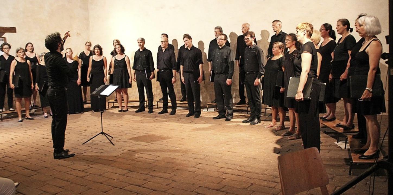 Das John Sheppard Ensembles unter Leit...dt sang in der Merdinger Zehntscheune.  | Foto: Mario Schöneberg