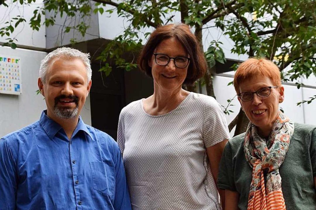 Birgit Müller (Mitte) verlässt das The... Tatsch (rechts) wird Matthias Kreutz.  | Foto: Stefan Ammann