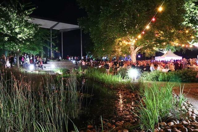 Markgräfler Winzer eG lädt in ihren lauschigen Park zum Sektfestival
