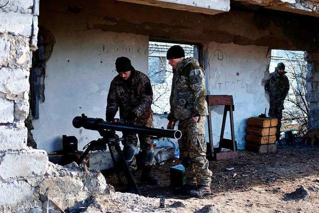 Ukrainer kämpfen an der Donbass-Front – in Teilzeit