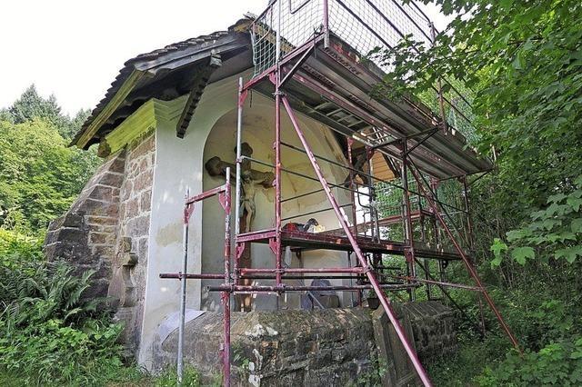 Arbeiten an der Friedhofskapelle in Tennenbach