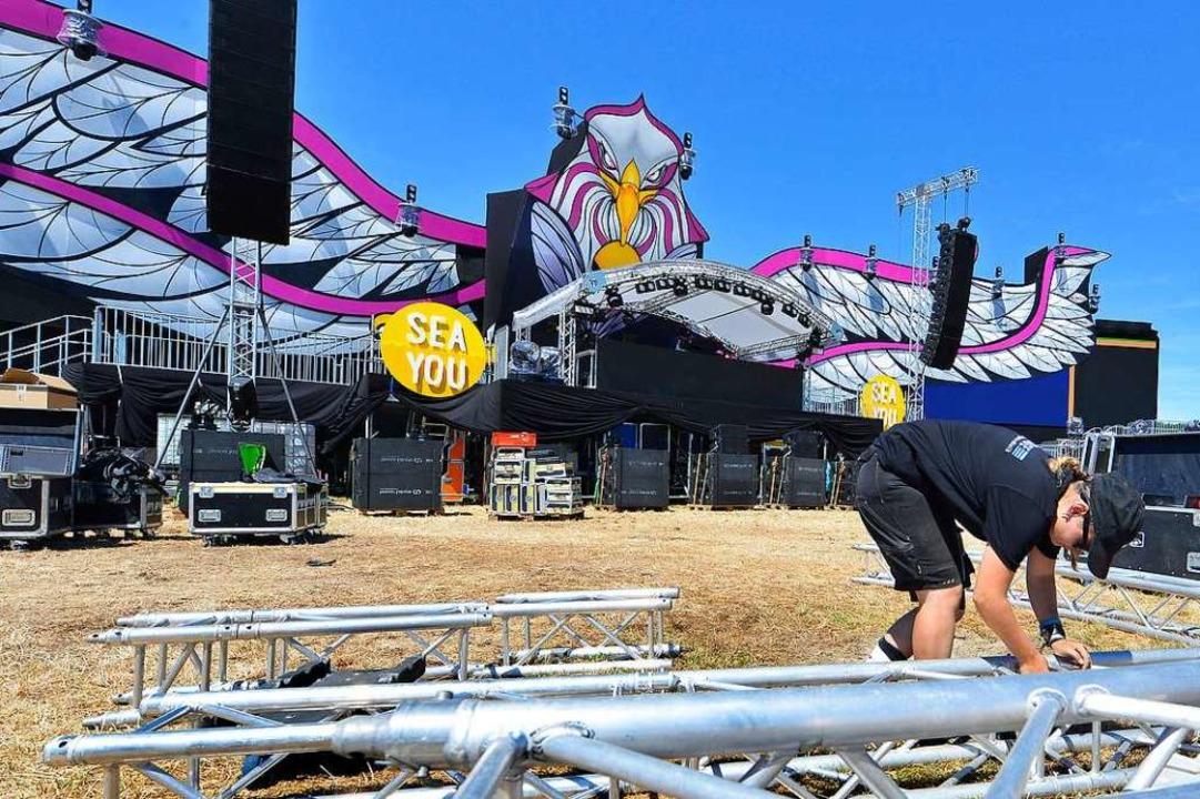 Vor der Stage 3, die in diesem Jahr mi... ist, wird am Mittwoch noch aufgebaut.  | Foto: Michael Bamberger