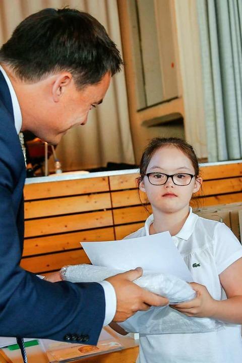 Enie Osigus wurde für ihren Erfolg bei den Special Olympics geehrt.  | Foto: Sandra Decoux-Kone