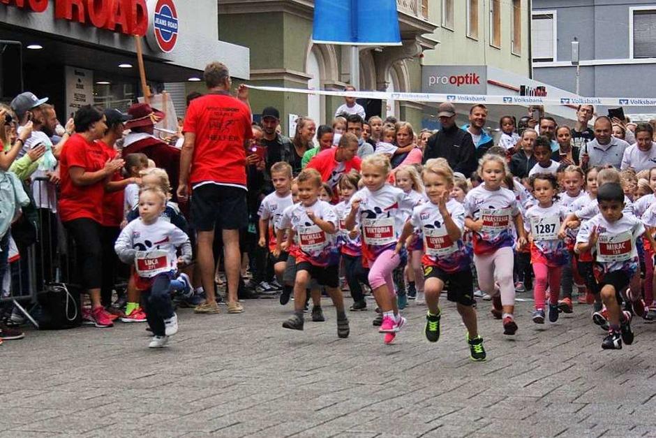 Gute Stimmung beim 15. Trompeterlauf durch Bad Säckingen (Foto: Dora Schöls)