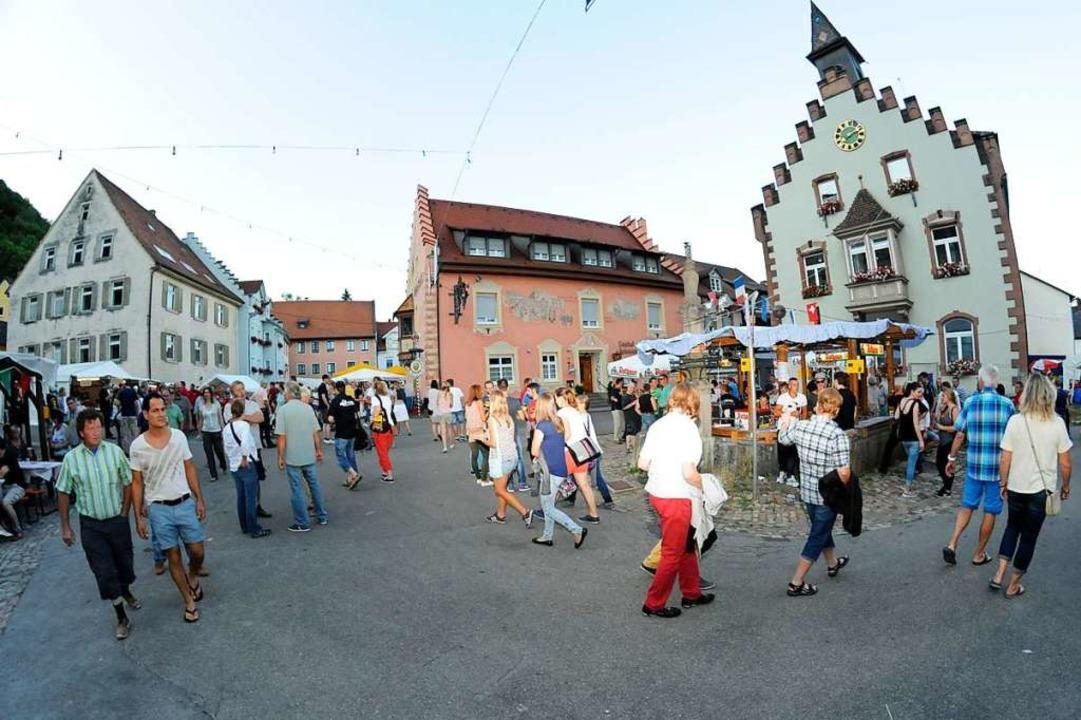 Das Stühlinger Städtlefest findet in der Altstadt rund um das Rathaus statt.  | Foto: Dietmar Noeske